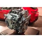 次世代型ガソリンエンジン「スカイアクティブX」。新型「マツダ3」に搭載される。