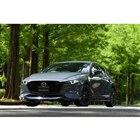 新型 マツダ3 ファストバック XD Burgundy Selection(ポリメタルグレーメタリック)