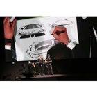 「SF90ストラダーレ」のデザインはフェラーリ・デザインセンターが担当。会場ではスケッチのデモ...
