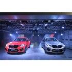 BMW X3 Mコンペティション(左)、X4 Mコンペティション(右)