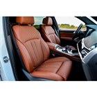 シート地は、上質な「BMW Individualメリノ・レザー」が標準。