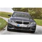 BMW 3シリーズ 新型のPHV、330eセダン