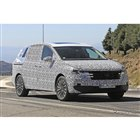 VWの新型高級ミニバン「ヴィロラン」開発車両(スクープ写真)