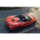 GMが新型「コルベット」のオープンモデルを発表 レースカーの「C8.R」も同時に公開
