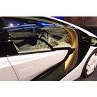 車内と車外がつながっているように見えるドアガラスが特徴的。