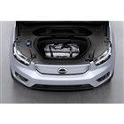 ボルボが初の電気自動車「XC40リチャージ」を発表 新しい電動カー製品群の第1弾