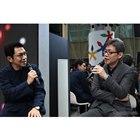 ビジュアルデザインスタジオWOWチーフクリエイティブディレクターの於保浩介氏(左)とマツダ常務執行役員の前田育男氏(右)