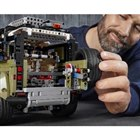 成約の記念品として、レゴブロックでできたミニチュア「LEGO Technic Land Rov...