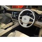 新型『S60』の運転席