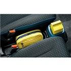 フロントシートはベンチタイプから左右独立タイプとなり、シートの間にフロアコンソールが設けられる...