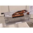 新型「ヤリス」のハイブリッド車には、高効率を追求したリチウムイオンバッテリーが搭載される。(写...