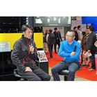 レーシングドライバーの谷口信輝選手(写真左)とモータージャーナリストの大谷達也氏(同右)。we...