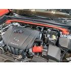 エンジンルームには、ストラットタワーバーとインテークサクションキットが取り付けられていた。(東京オートサロン2020)