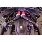 フロントミドに搭載される3.9リッターV8ツインターボエンジンは最高出力620PS、最大トルク...