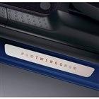青の専用ボディーカラーをまとった「ルノー・トゥインゴ」の特別仕様車発売