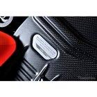 デスモセディチ・ストラダーレR軽量バージョンのエンジンは熟年メカニックによるデスモドロミック・システム調整が行われ、調整したメカニックのサインが入る