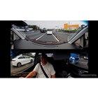 2分割モードでは前方向をパノラマで撮影し、車内と左右、さらに後方を僅かに捉える。パソコン上で再生した映像をキャプチャー