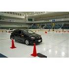 テストは新旧「ウインターマックス」を履いた「トヨタ・ヤリス」で実施した。