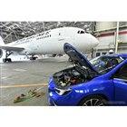 スバル・レヴォーグ新型発表、機体積み下ろしデモ(写真は複数回数をまとめた)