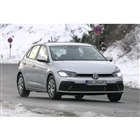 VW ポロ 改良新型プロトタイプ(スクープ写真)