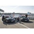 ポルシェ 911 GT3 新型、ニュルブルクリンクを走る。