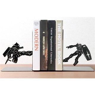「機動戦士ガンダム」の印象的なシーンをシルエットで再現したブックエンド4種