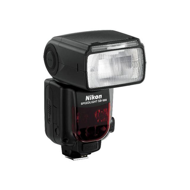 [SB-900] ガイドナンバー34に対応したデジタル一眼レフカメラ用フラッシュ。価格は68,250円(税込)