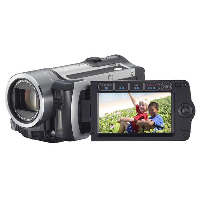 [ivis HF11] 32GBのフラッシュメモリーやSDカードスロットを搭載したAVCHD対応フルハイビジョンビデオカメラ。価格はオープン