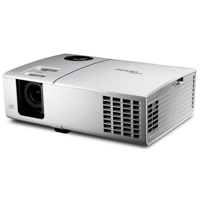 [HD71] 1280×720画素のプログレッシブハイビジョンを投影できるホームプロジェクター(輝度2400lm) 。価格はオープン