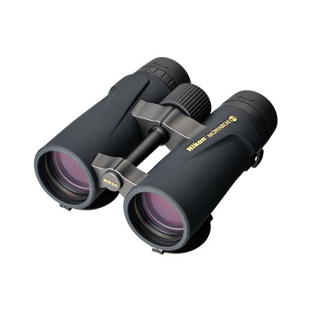 [モナークX 8.5×45D CF] 有効径45mmの対物レンズや新光学系を採用した防水型双眼鏡(倍率8.5倍)。価格は68,250円(税込)
