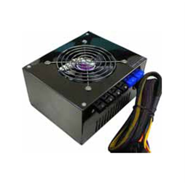 [AP-650FS/PS3] 奥行き123mmの小型プラグイン電源(650W)。市場想定価格は8,980円