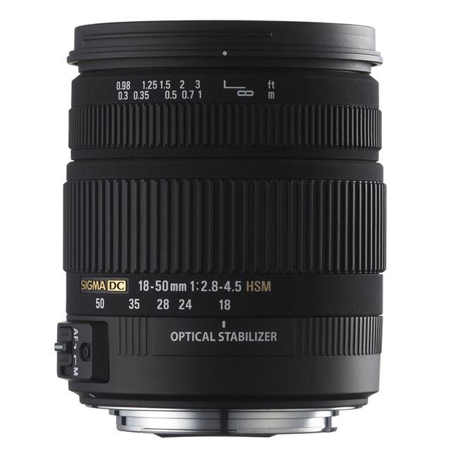 [SIGMA 18-50mm F2.8-4.5 DC OS HSM] 手ブレ補正機構や超音波モーターを搭載したデジタル専用大口径標準ズームレンズ(最短撮影距離30cm)。価格は未定