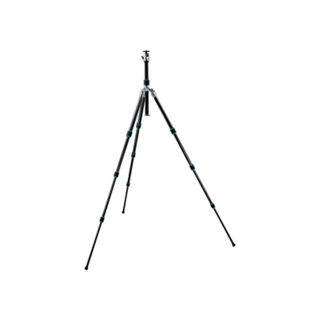 [GK1581OT] 180度折りたたみ機構やオーシャンロックを採用したカーボン三脚(全伸高149cm/格納高43.5cm/重量1.4kg/脚段数4段)。価格は193,200円(税込)