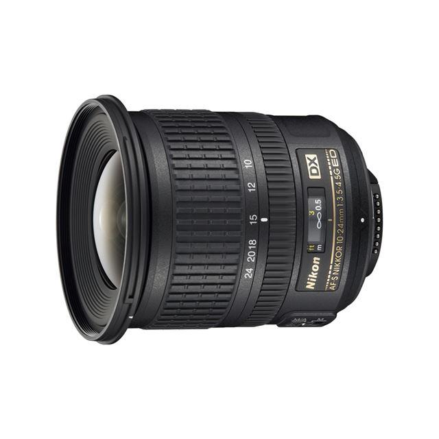 [AF-S DX NIKKOR 10-24mm F/3.5-4.5G ED] 35mm判換算で焦点距離15mmから36mm相当の撮影画角をカバーするニコンDXフォーマット用デジタル一眼レフカメラ専用超広角ズームレンズ。価格は117,600円(税込)