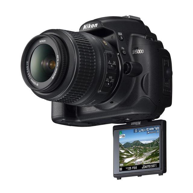 [D5000] 動画撮影機能「Dムービー」や2.7型バリアングル液晶を搭載したデジタル一眼レフカメラ(1230万画素)。価格はオープン