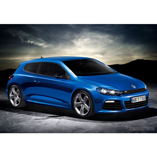 VWシロッコとゴルフカブリオレが日本での販売を2014年3月で終了する。写真はシロッコR