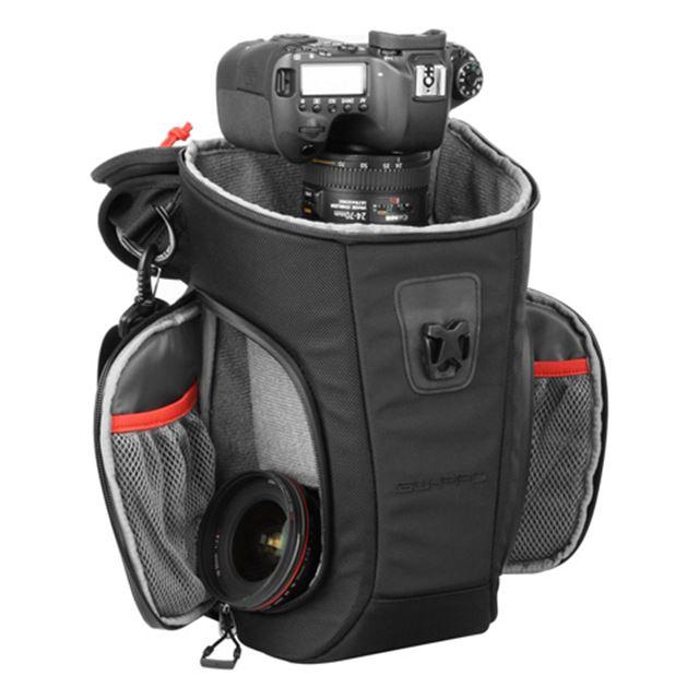 下段に収納した交換レンズやカメラアクセサリなどを素早く取り出し可能