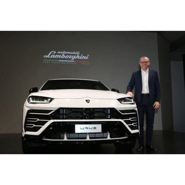 発表会にはランボルギーニ本社のステファノ・ドメニカリCEOも出席した。