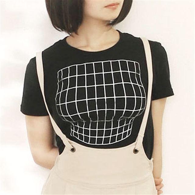 胸元が膨らんでいるように見える、あの「妄想Tシャツ」に新色