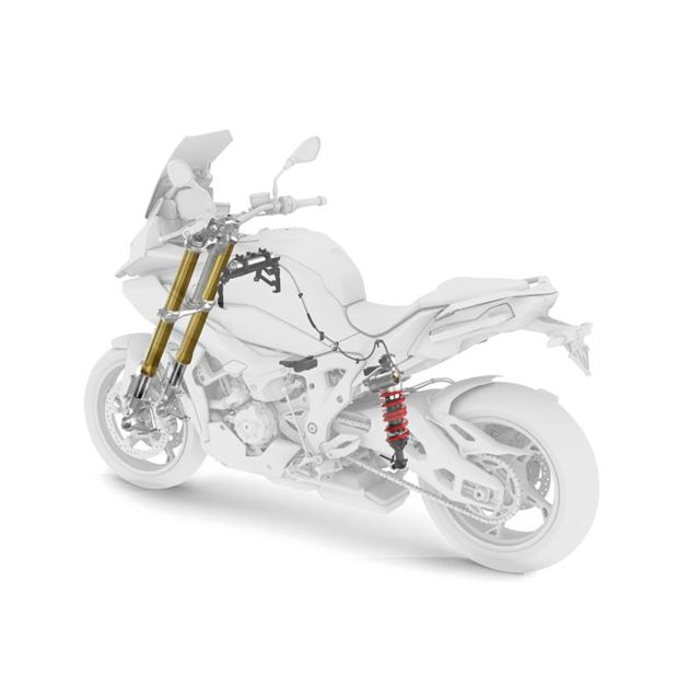 BMWから大型二輪モデル「S1000XR」登場 快適性とスポーティーな走りを備えた新型アドベンチャー