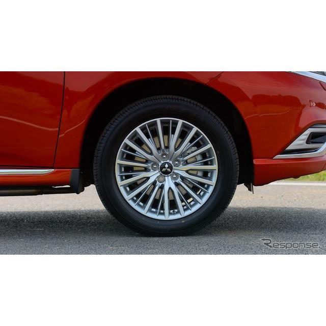 三菱 アウトランダー PHEVの2020年モデル(英国仕様)