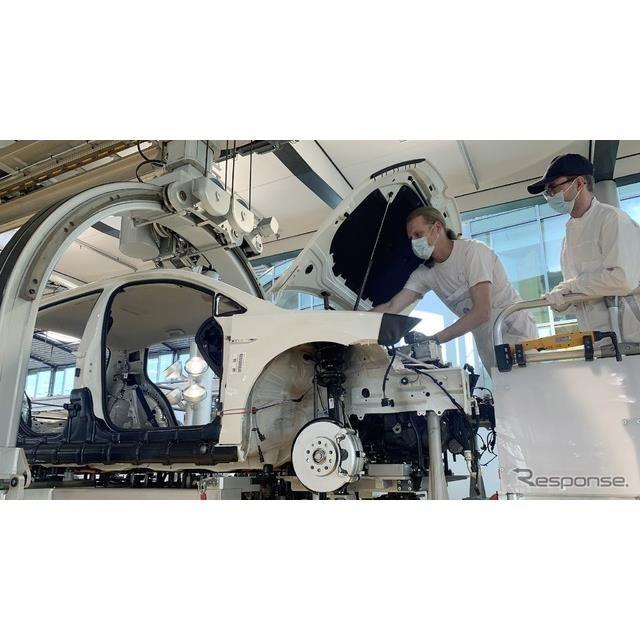 VW ゴルフ のEV「e-ゴルフ」の購入者が組み立てに参加できるプログラム