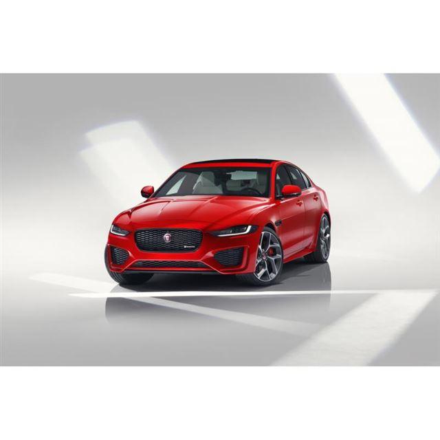 「XE」は2019年8月にマイナーチェンジモデルを発表。2020年は、通年で改良モデルが販売された。