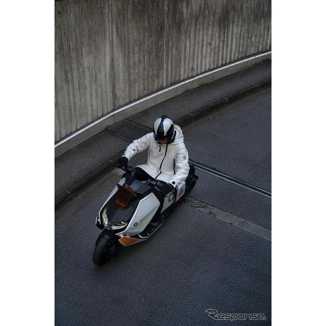 BMWモトラッド・デフィニション CE 04