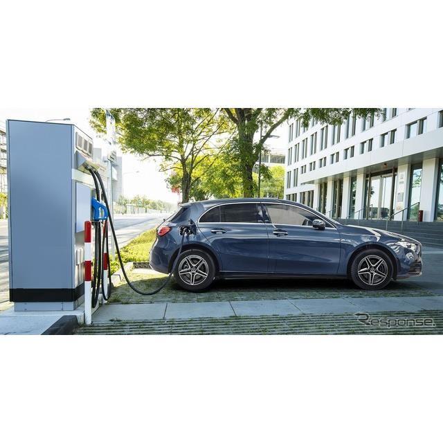 メルセデスベンツ A250eハッチバック 普通充電