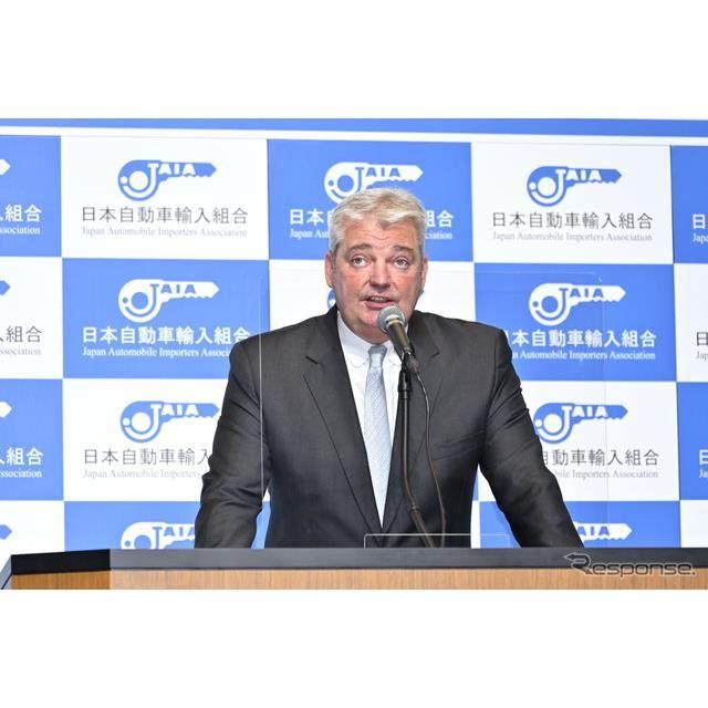 日本自動車輸入組合(JAIA)理事長であるティル シェア氏