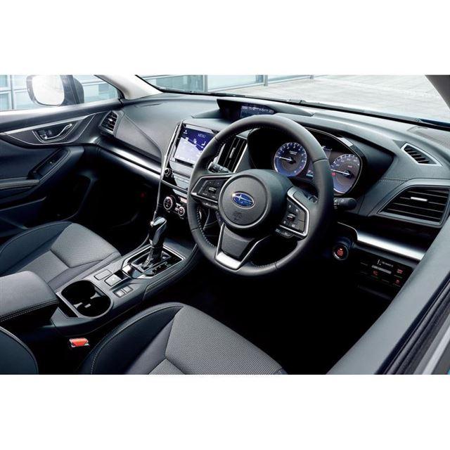 特別仕様車「スバルXV 2.0e-L EyeSightスマートエディション」のインテリア。ブル...