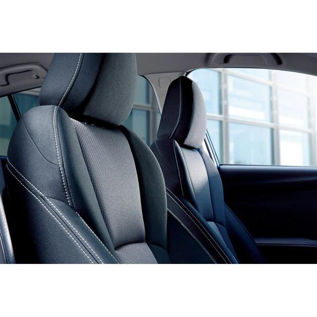 ベース車のシートにはオレンジのステッチが入るが、特別仕様車「2.0e-L EyeSightスマ...