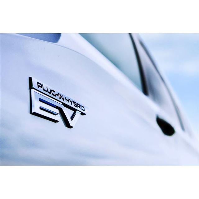 三菱自動車が新型「アウトランダー」にPHEVを設定 今冬の国内発売を予告