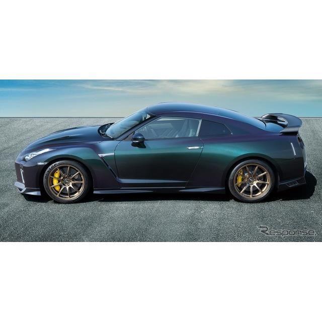 日産 GT-R プレミアムエディション T-スペック(ミッドナイトパープル)